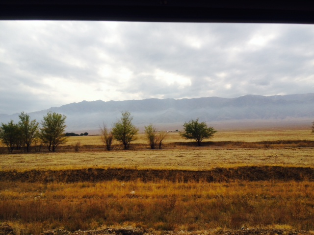 Auf der rechten Seite ist die ganze Zeit eine riesen Bergkette, welches Gebirge?