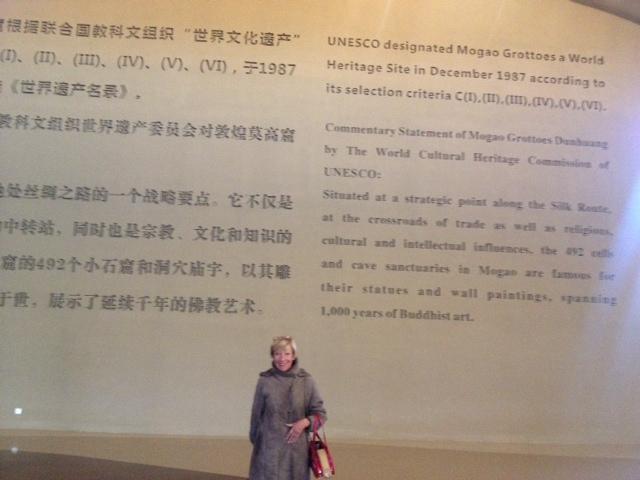 Heute waren wir beim Unesco Kulturerbe. Alles über Budda in den Mogao Caves in Dunhuang