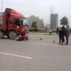 Unfälle gibt es oft, kein Wunder bei der undisziplinierten Fahrweise.