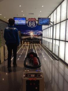 Zur Verdauung noch eine Runde Bowling? Nein, ich muss ja noch Fotos posten.